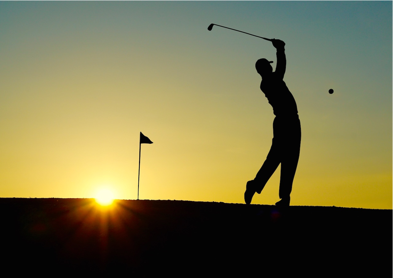 Golf swing in calming environment